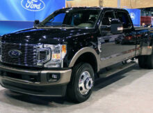7 Ford Super Duty Powers Into Chicago With 7.7-Liter V7 [UPDATE]