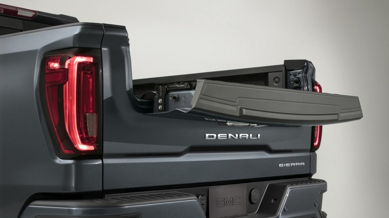 7 GMC Sierra Denali MultiPro tailgate, inner gate with work ...