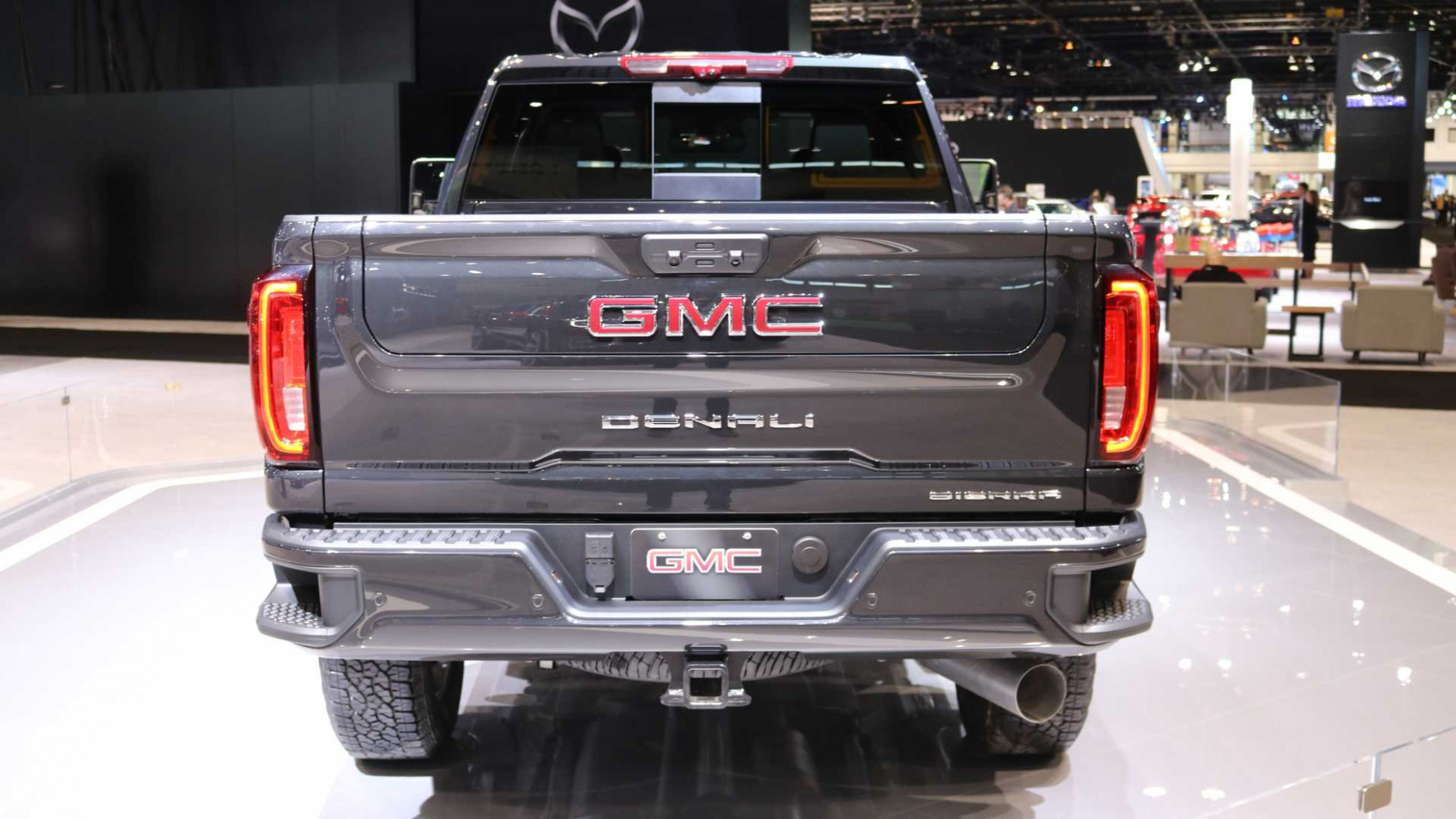 7 GMC Sierra HD Arrives With More Tech And New Off-Road Trim