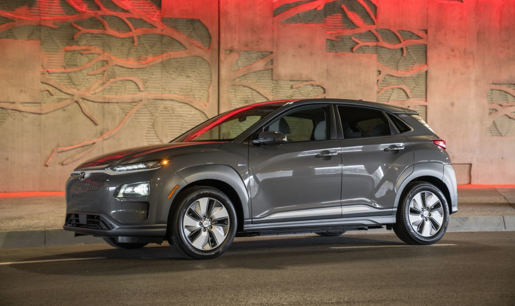 7 Hyundai Kona Electric Remains A Solid Alternative To Tesla's ...