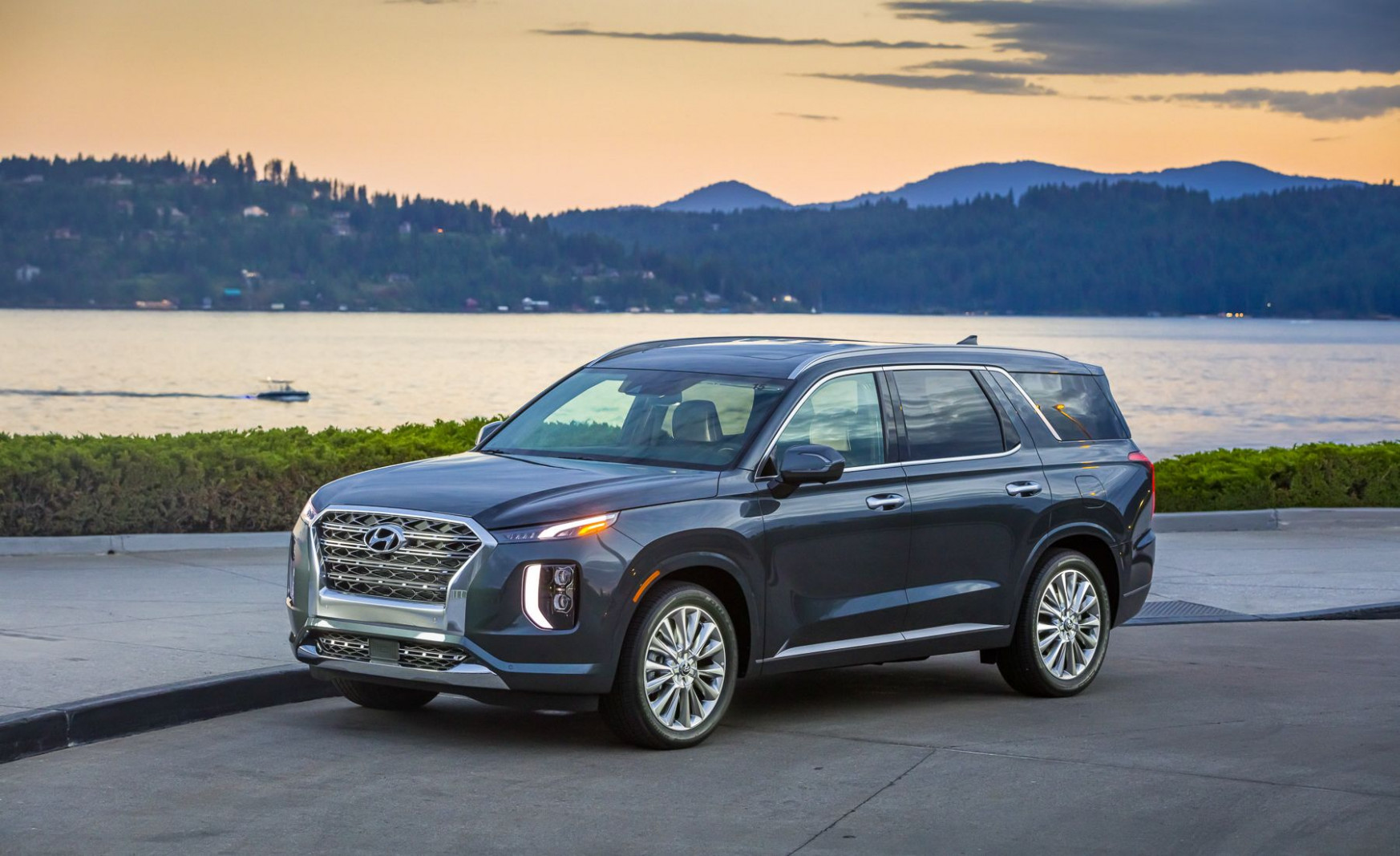 7 Hyundai Palisade Review, Pricing, and Specs - 2020 hyundai palisade dimensions