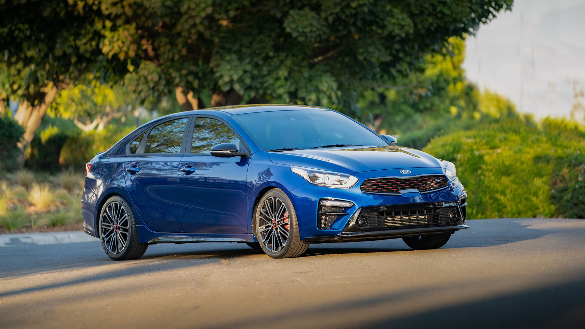 7 Kia Forte Buyer's Guide: Reviews, Specs, Comparisons