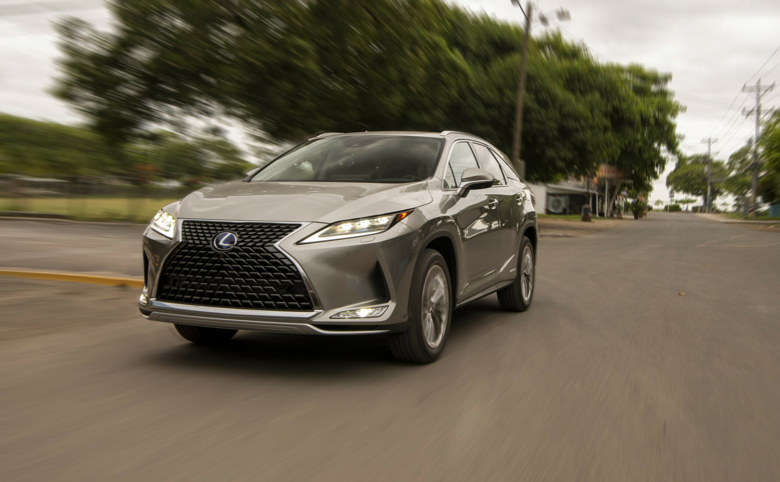 7 Lexus RX arrives in Middle East with petrol and hybrid ..