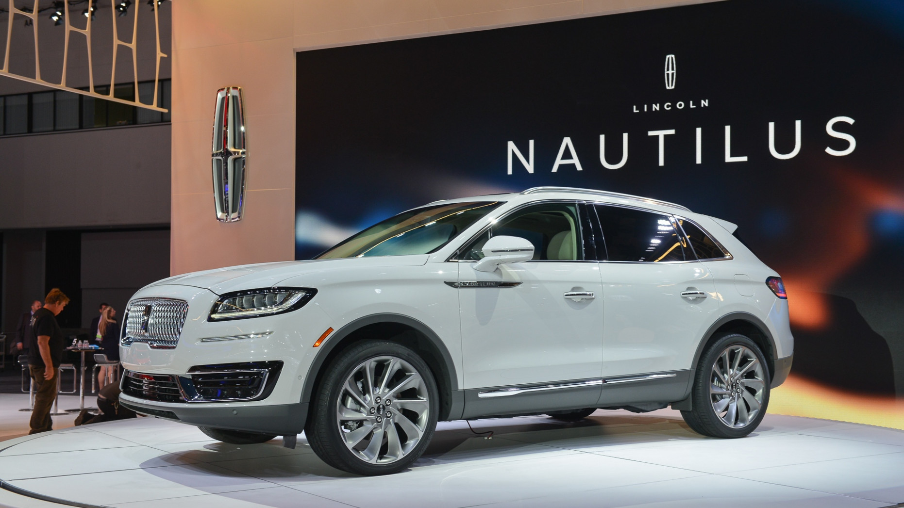 7 Lincoln Nautilus improves on MKX in almost every way