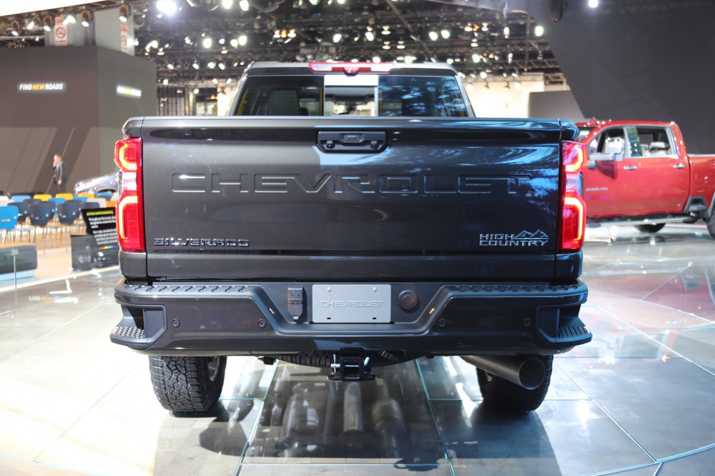 7 Silverado HD Prototype Caught With GMC MultiPro Tailgate | GM ..