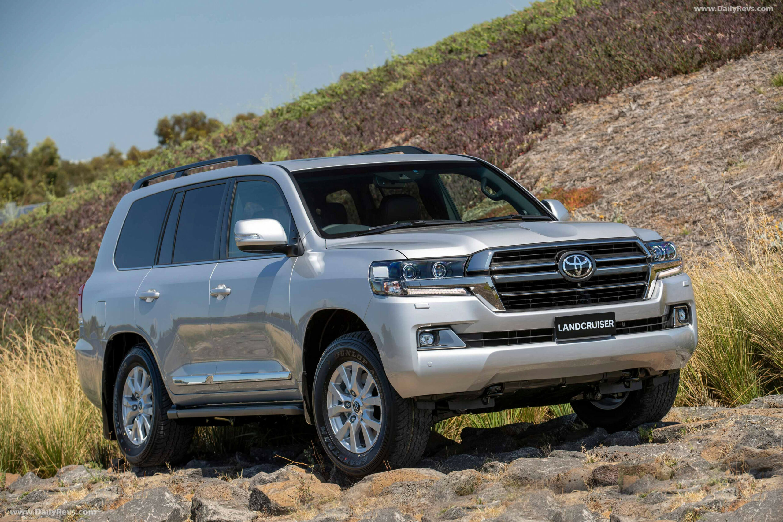 7 Toyota Land Cruiser Sahara Horizon - HD Pictures, Videos ...