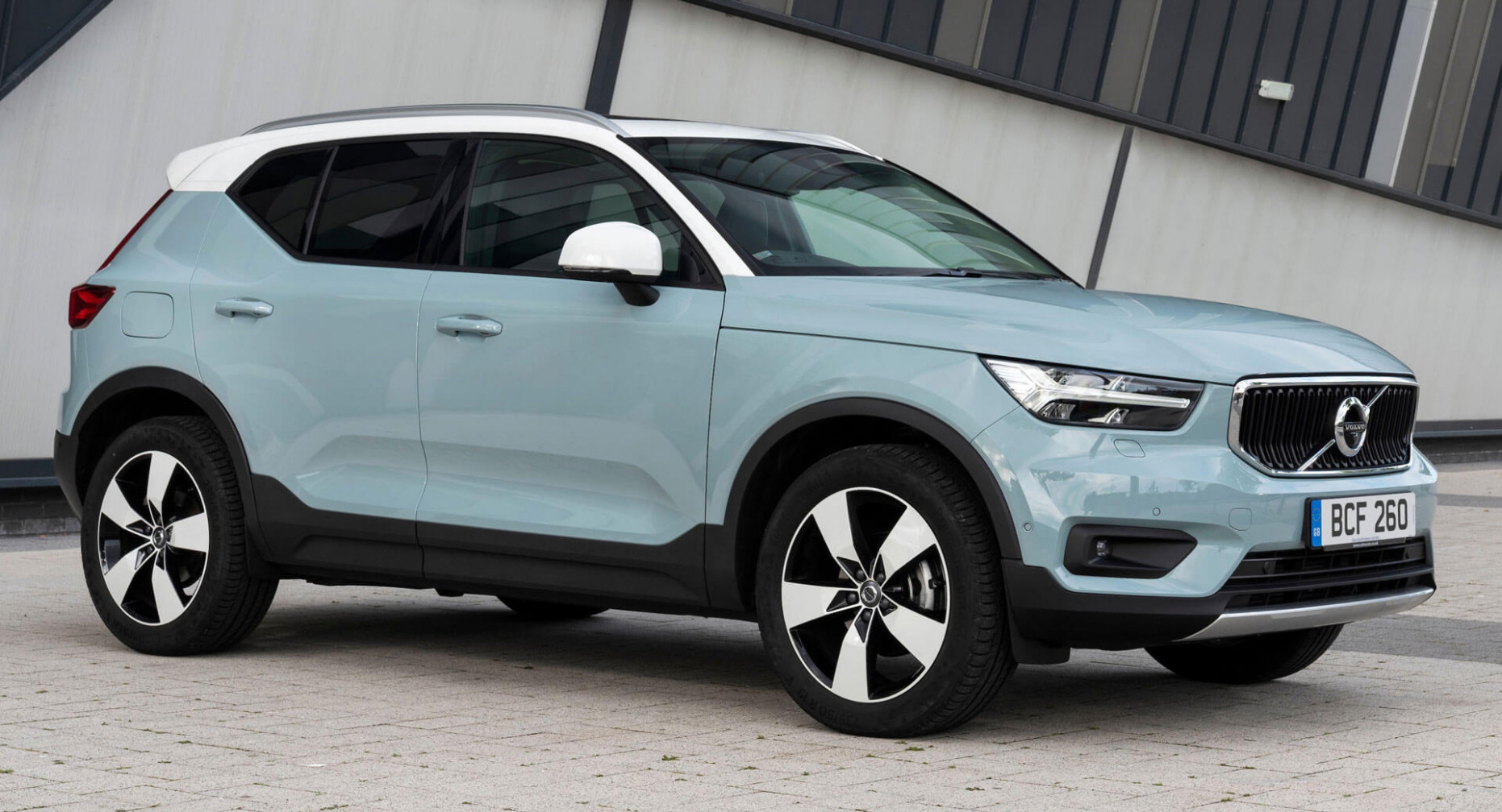 7 Volvo XC7 Gets Upgraded Powertrains, New Gear And Colors ..