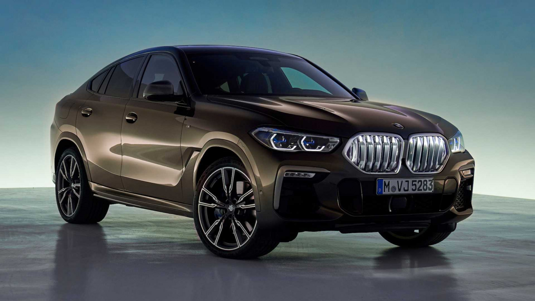 8 BMW X8 Debuts With 8-HP Twin-Turbo V8, Light-Up Grille