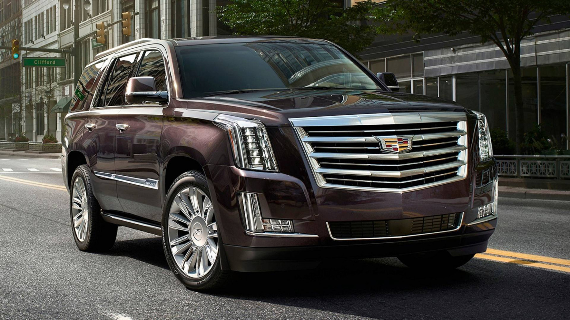 8 Cadillac Escalade Could Have Three Engines, Including Plug-In