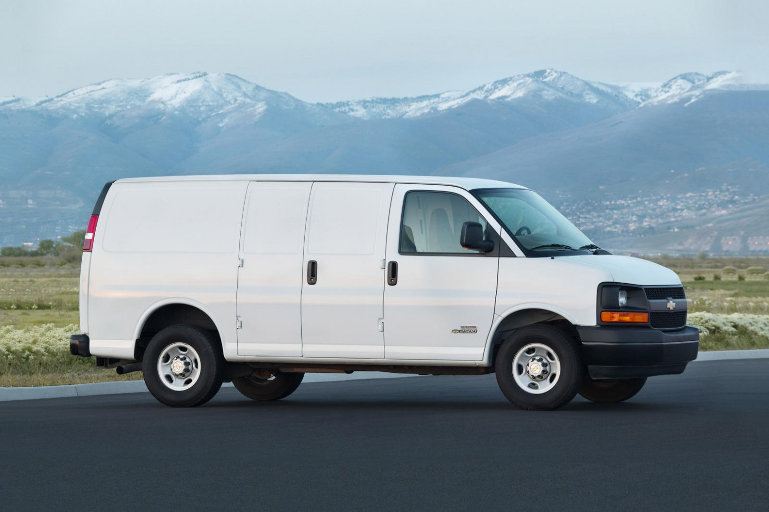 8 Chevrolet Express Cargo Van: Review, Trims, Specs, Price, New ..