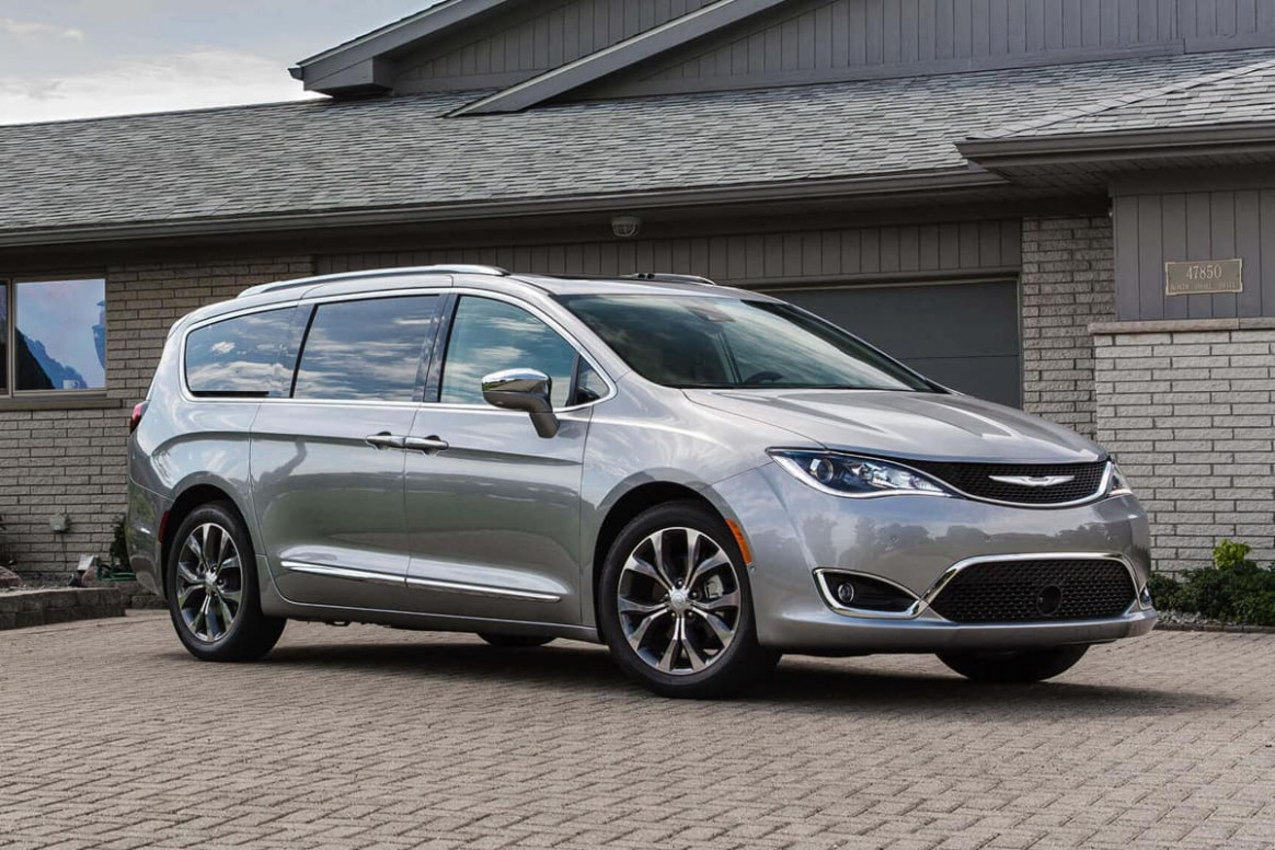 8 Chrysler Pacifica and Pacifica Hybrid Get Big Updates and ...