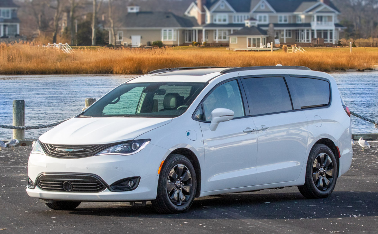 8 Chrysler Pacifica Review: Swallow Your Pride - This Beats an ...