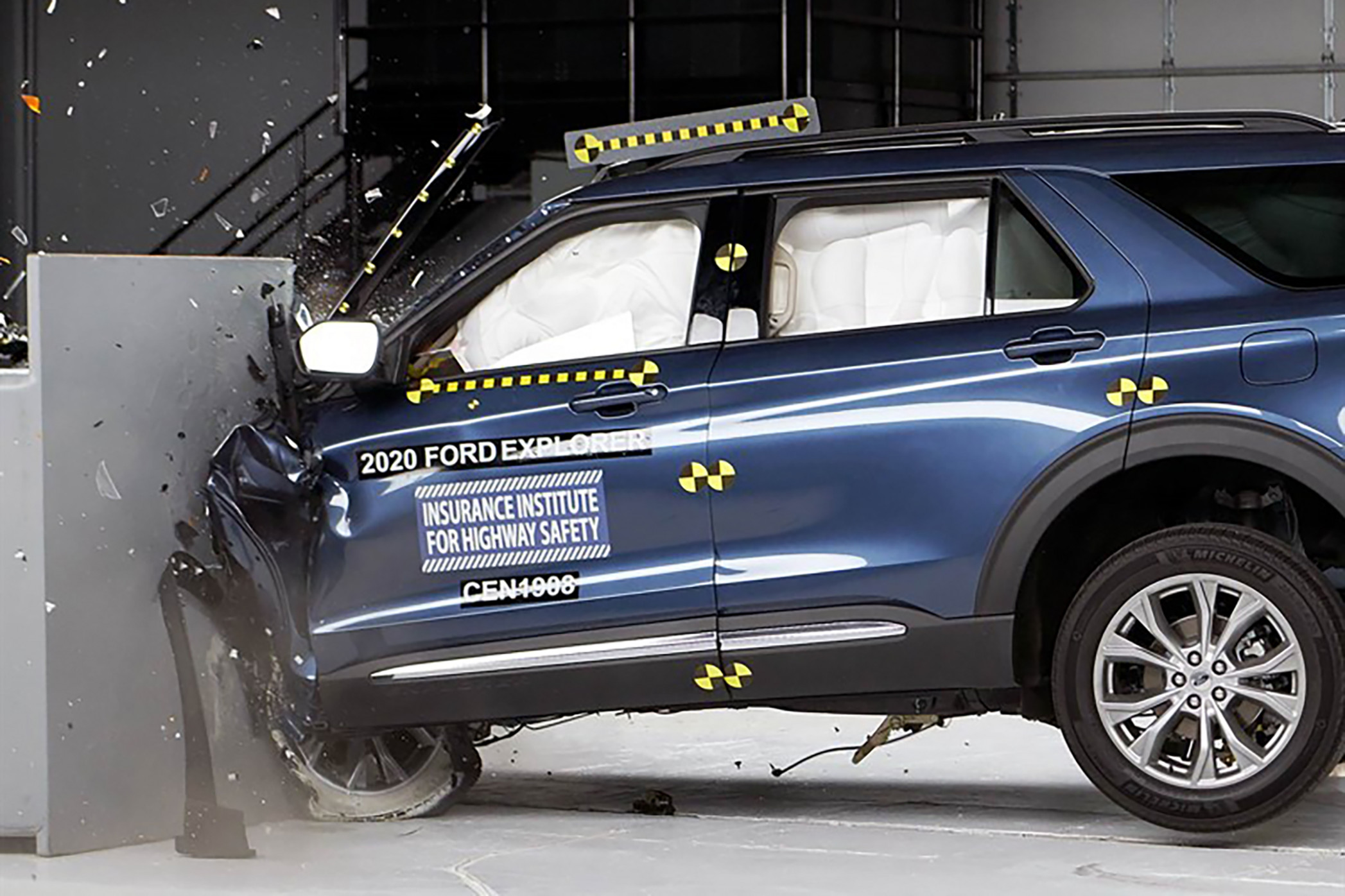 8 Ford Explorer and Lincoln Aviator Crash Out of Crash Tests ..