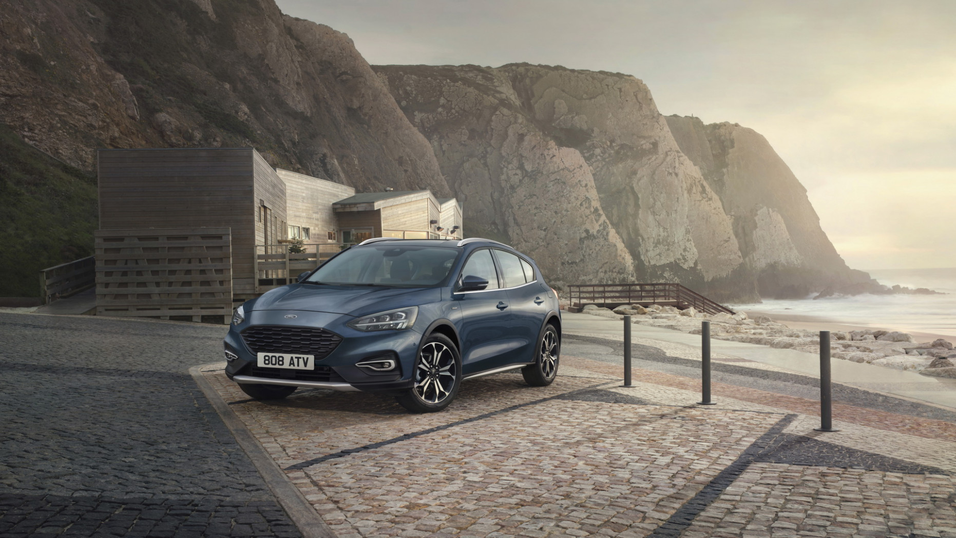 8 Ford Focus Active X Tries An Upmarket Approach With New ..