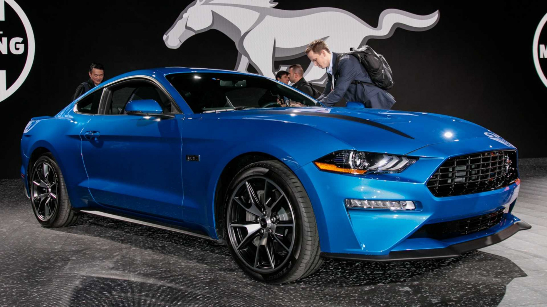 8 Ford Mustang 8