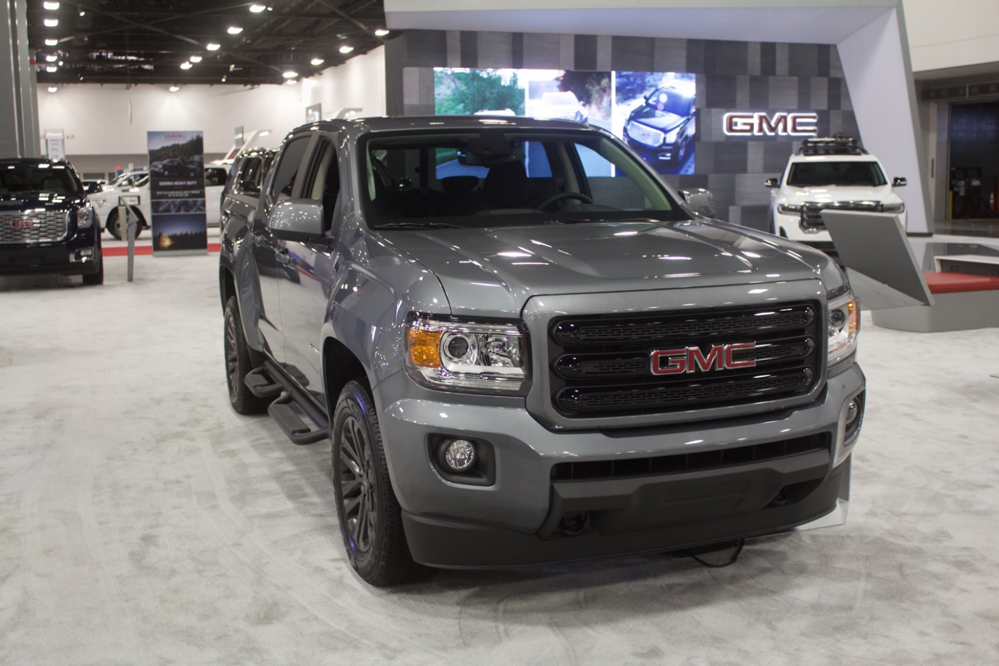 8 GMC Canyon: Here's What's New And Different | GM Authority