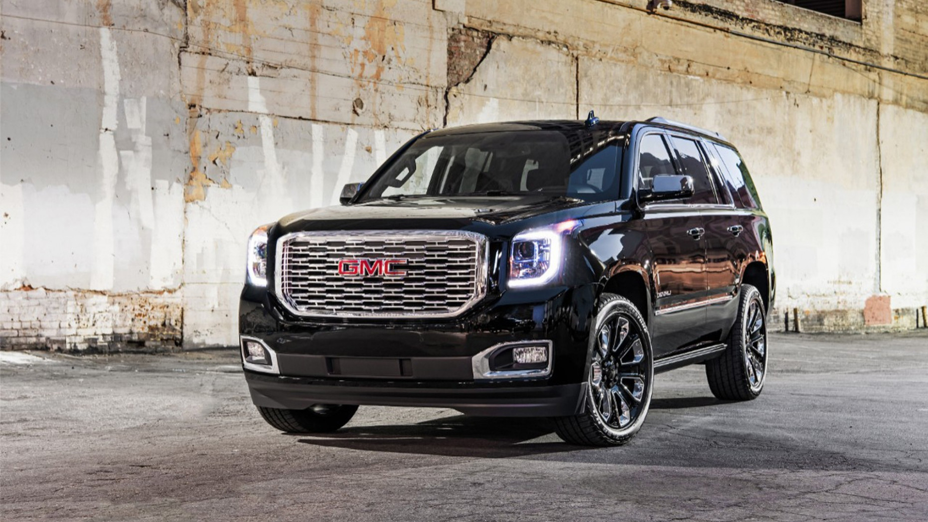 8 GMC Yukon Denali spawns Ultimate Black Edition