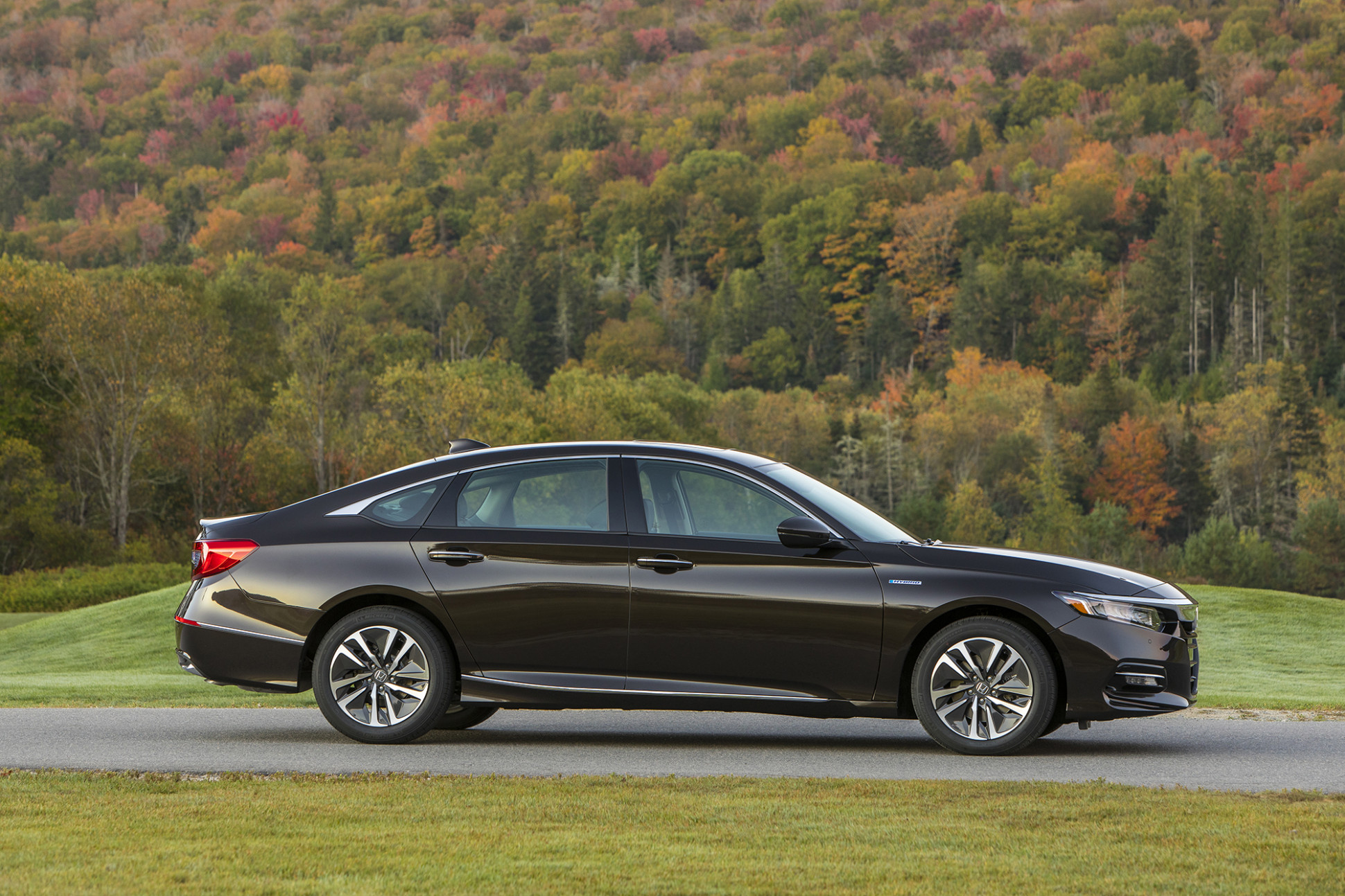 8 Honda Accord Hybrid on Sale Now: 8 Things Shoppers Should ..