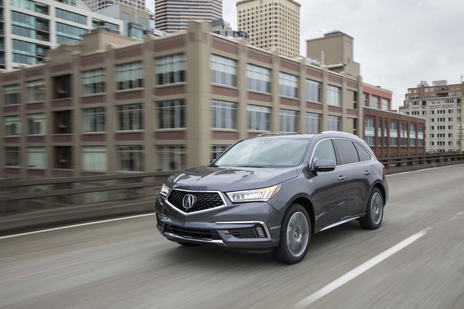 8 Honda Pilot vs. 8 Acura MDX: Compare Crossovers