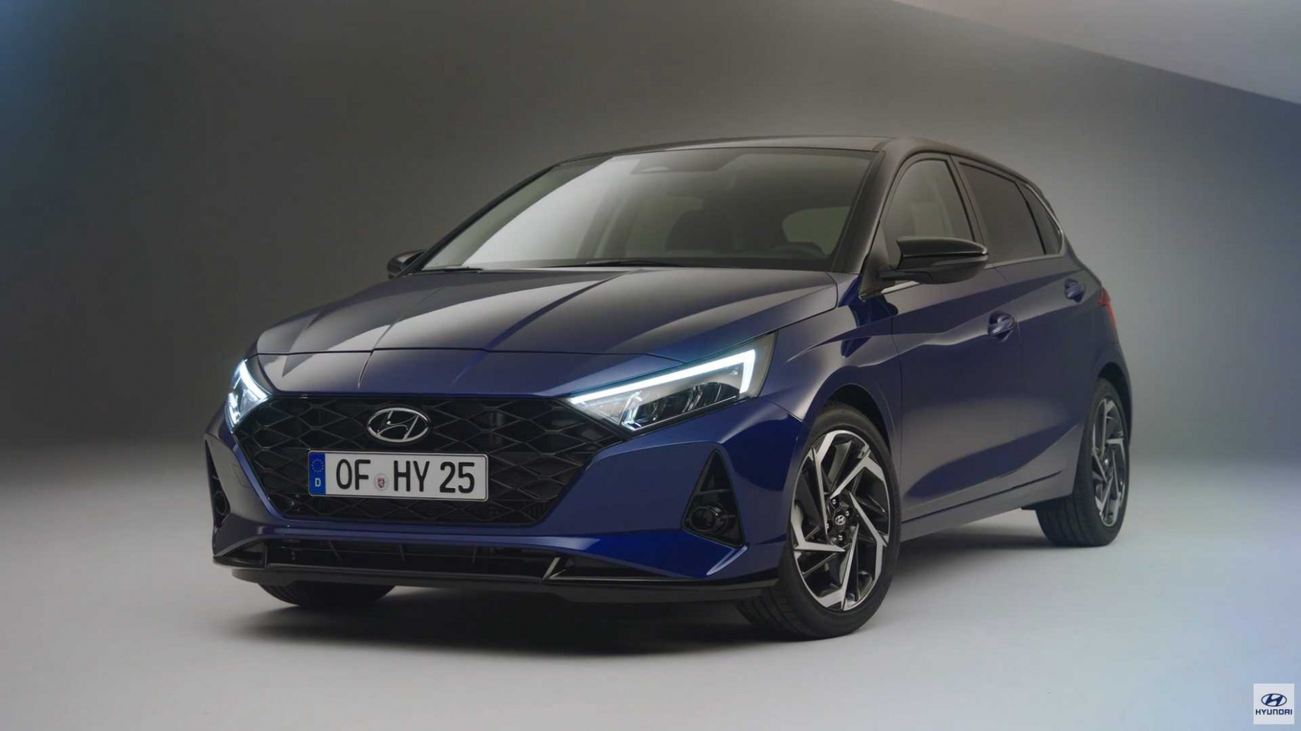 8 Hyundai i8 Debuts: New Design, Tech, And Mild Hybrid System