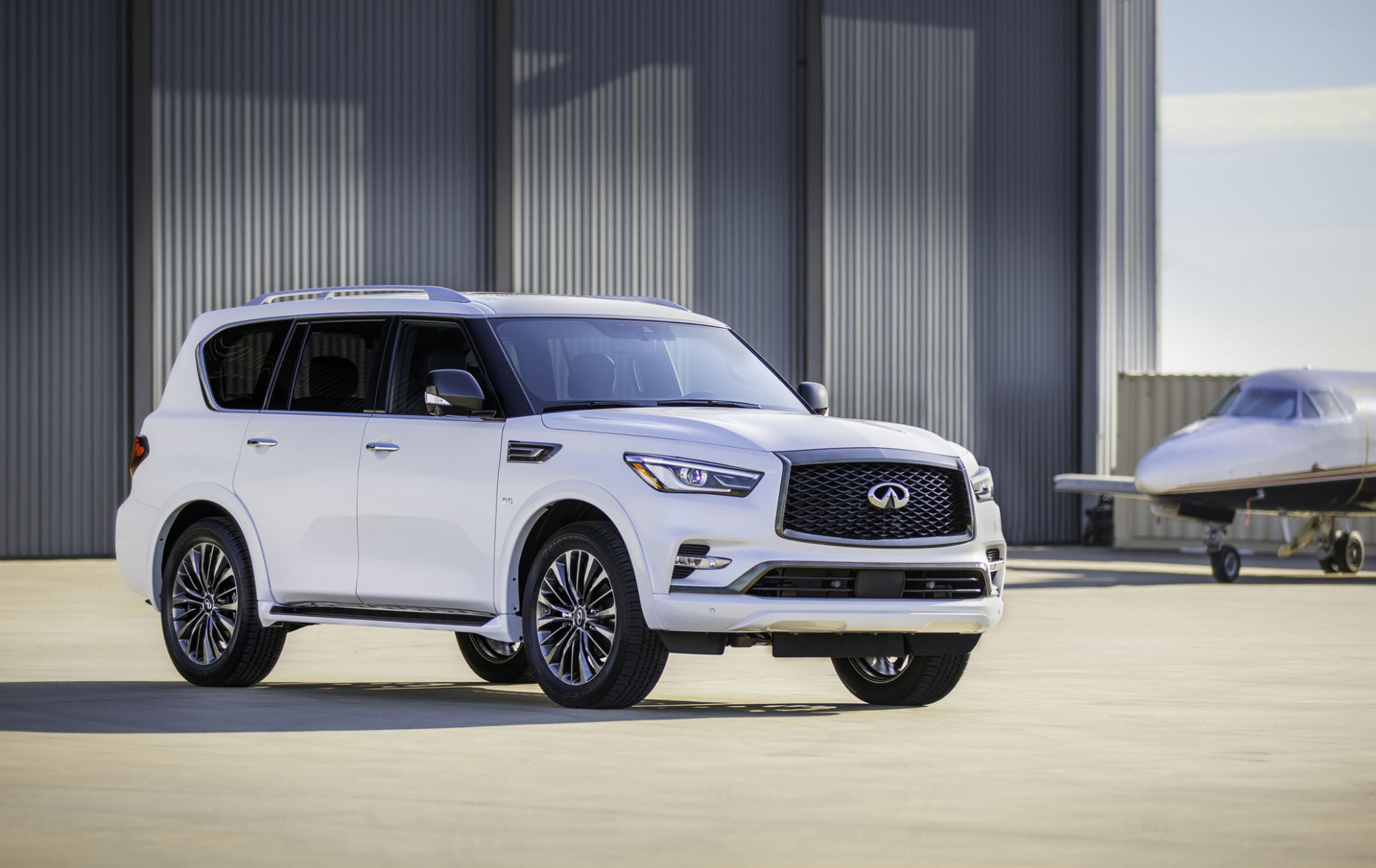 8 Infiniti QX8 arrives with new dash, Edition 8 Package
