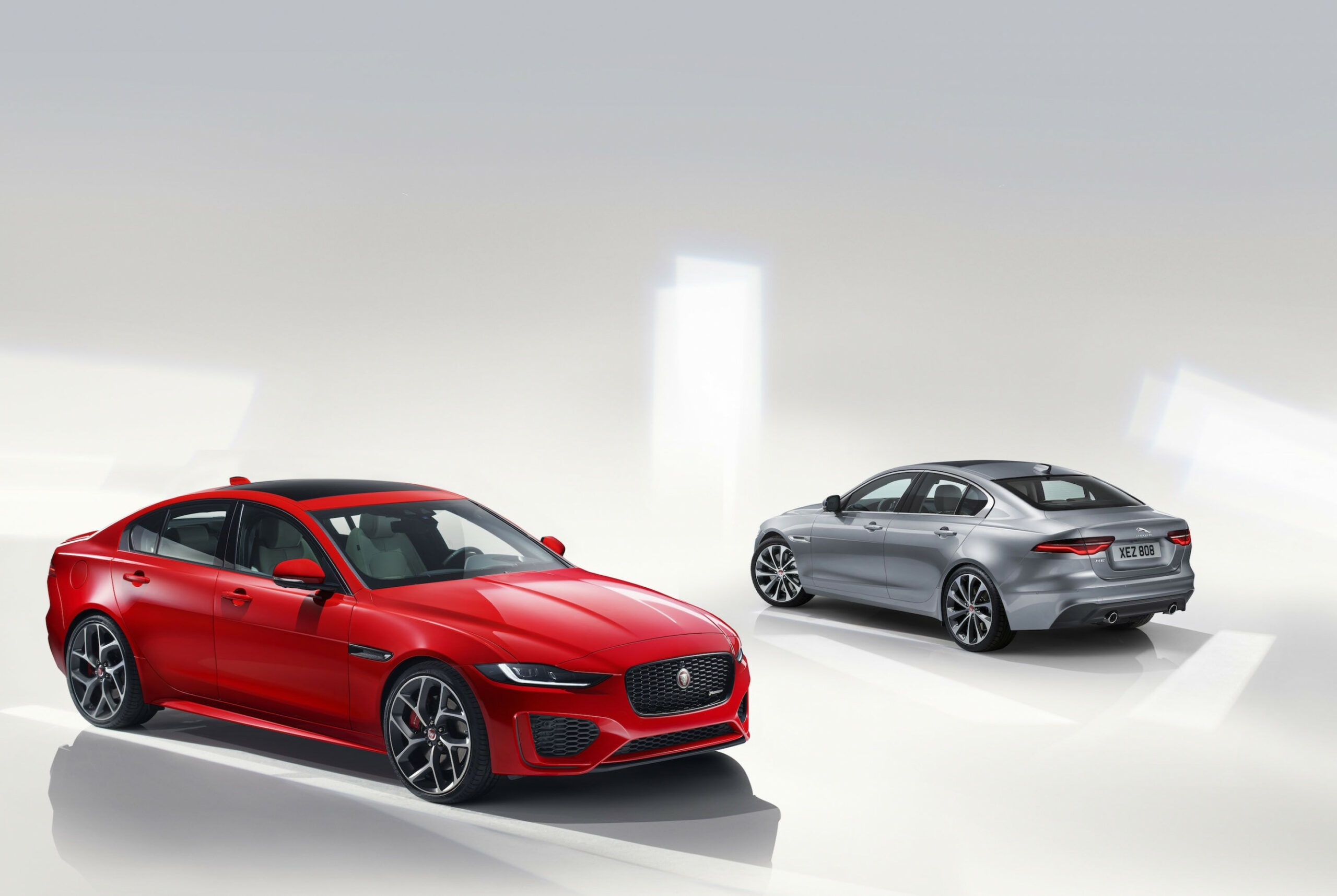 8 Jaguar XE Shows New Face And Changes Diesel Lineup Ahead Of ...