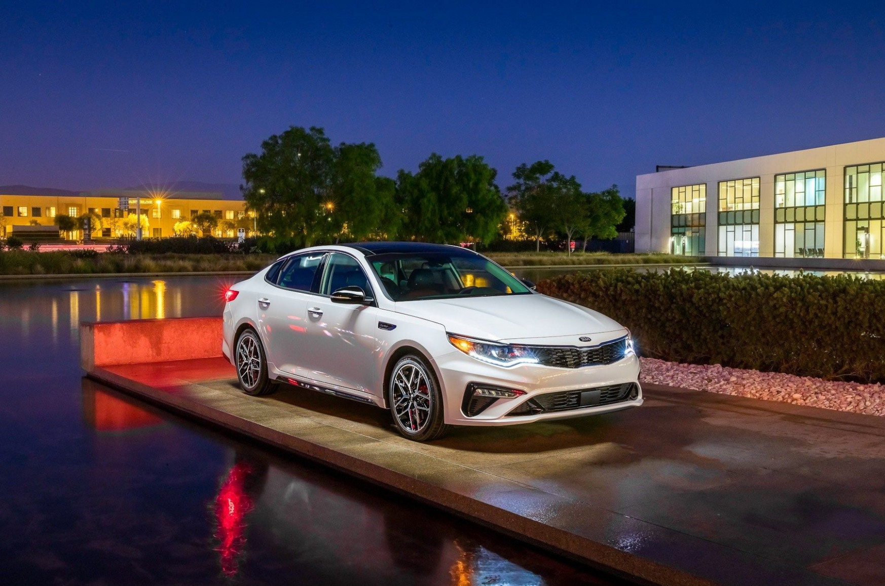 8 Kia Optima Review, Pricing, and Specs