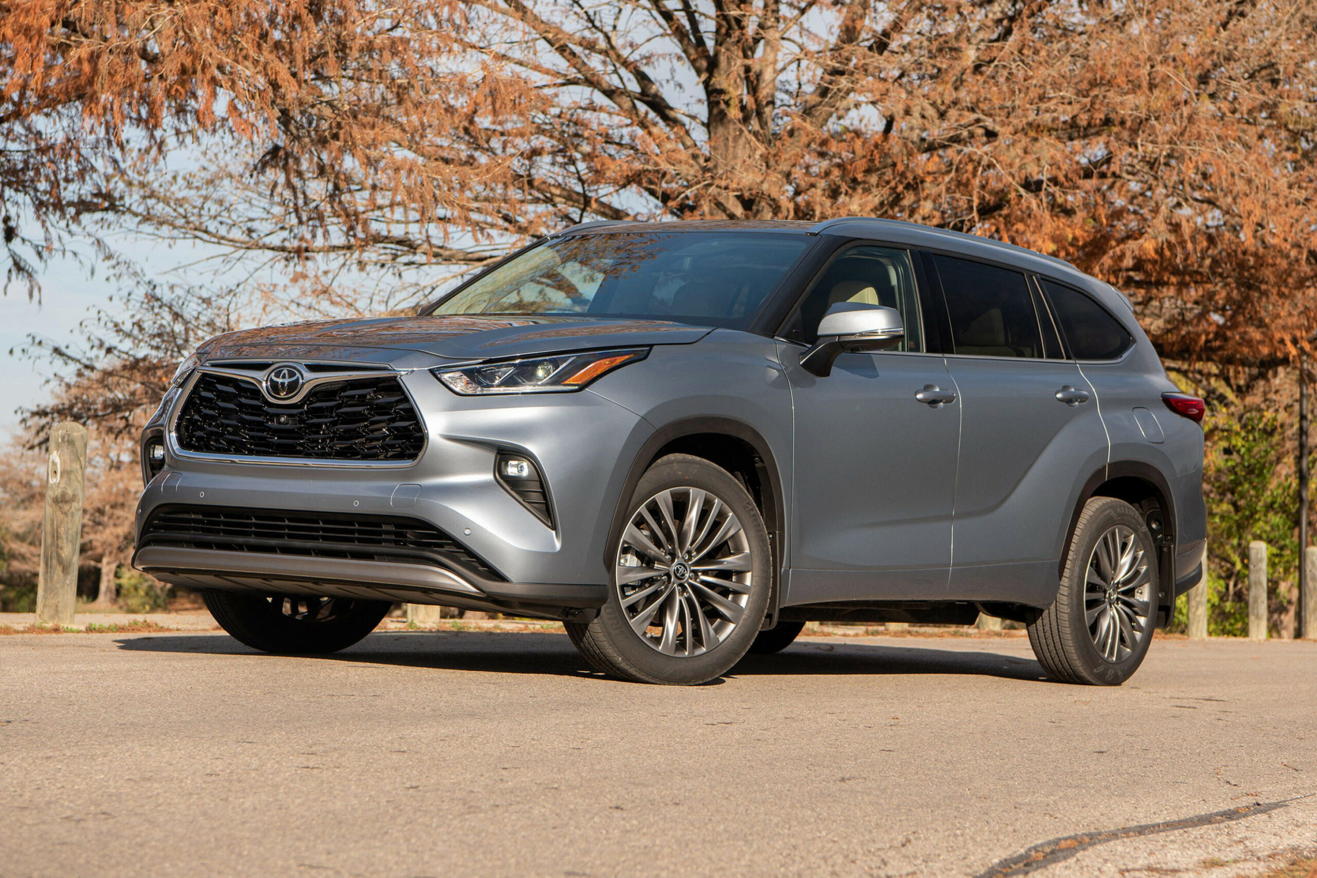 8 Toyota Highlander first drive review: It raises the bar, but ...