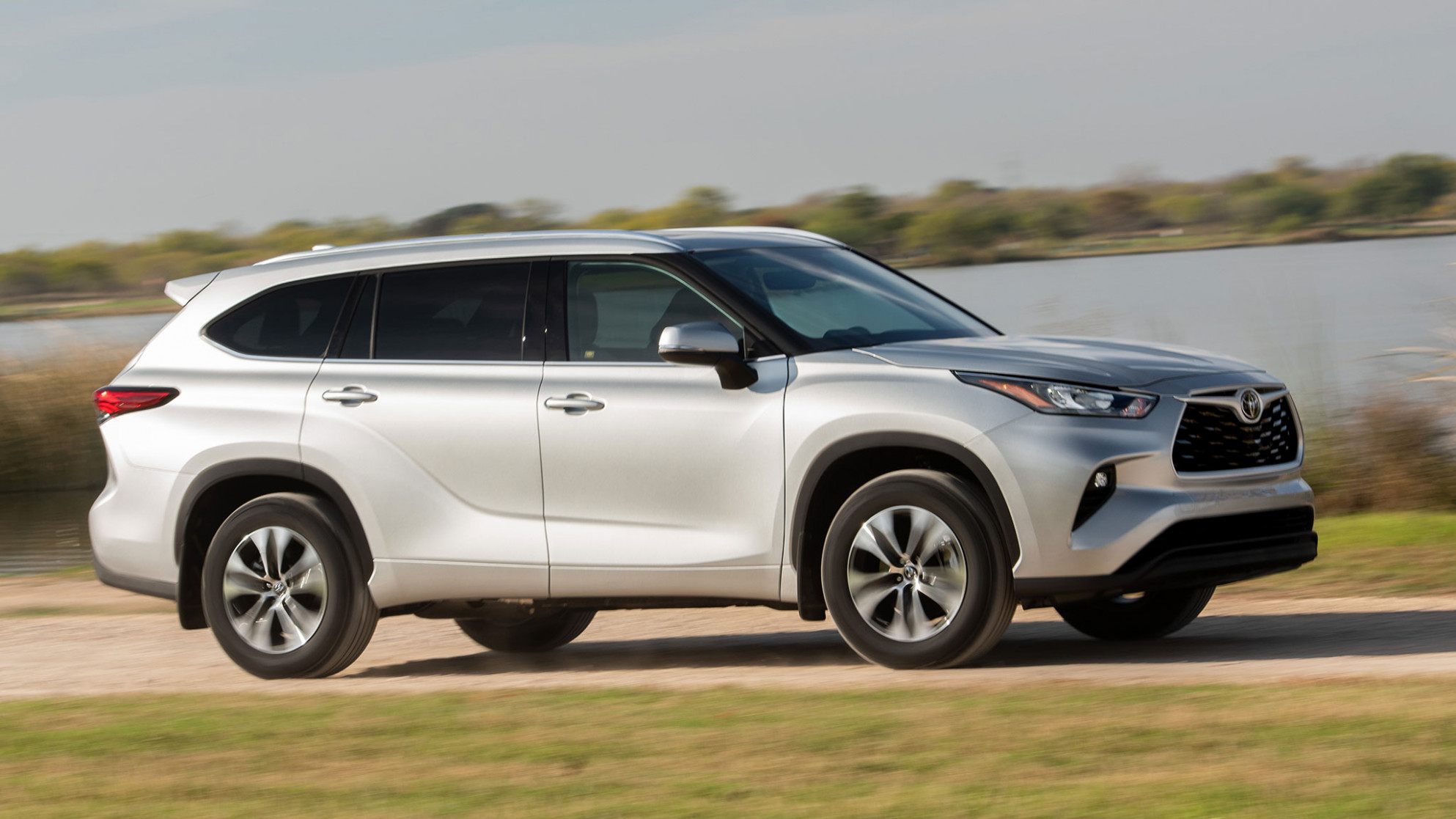8 Toyota Highlander First Drive: TRAY SEXY - toyota highlander 2020 review