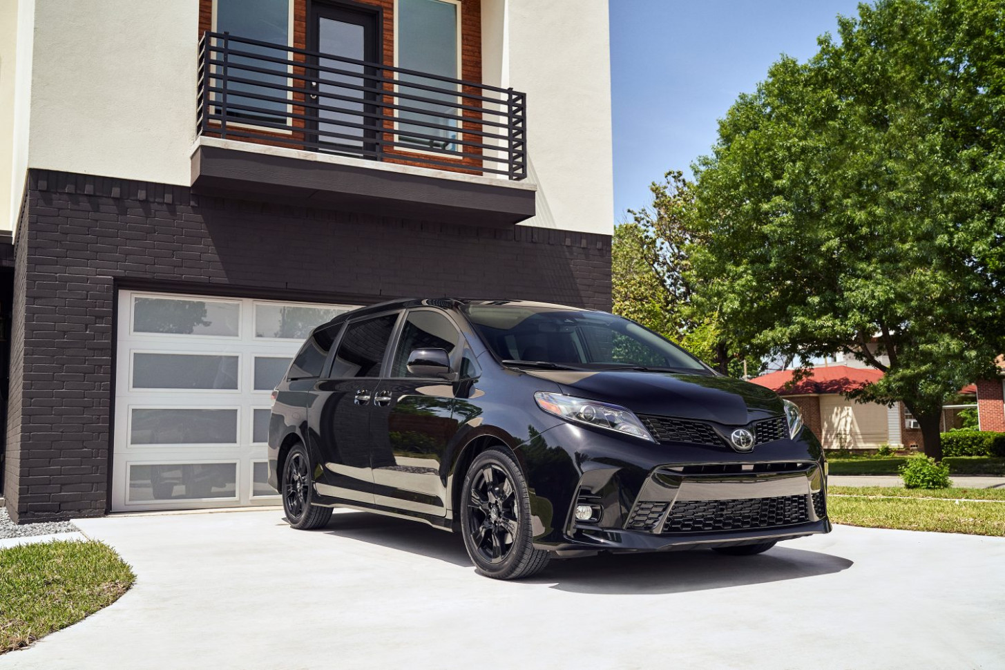 8 Toyota Sienna - All-New Nightshade Edition Added - Toyota USA ...