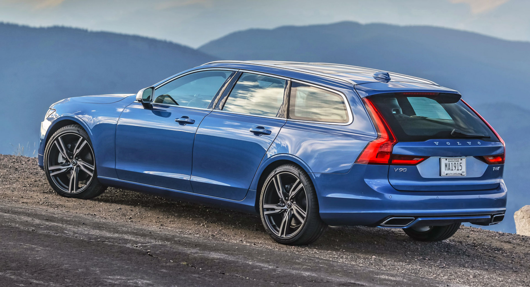 8 Volvo V8 Has The Best Residuals In Its Class, Wins An Award ...