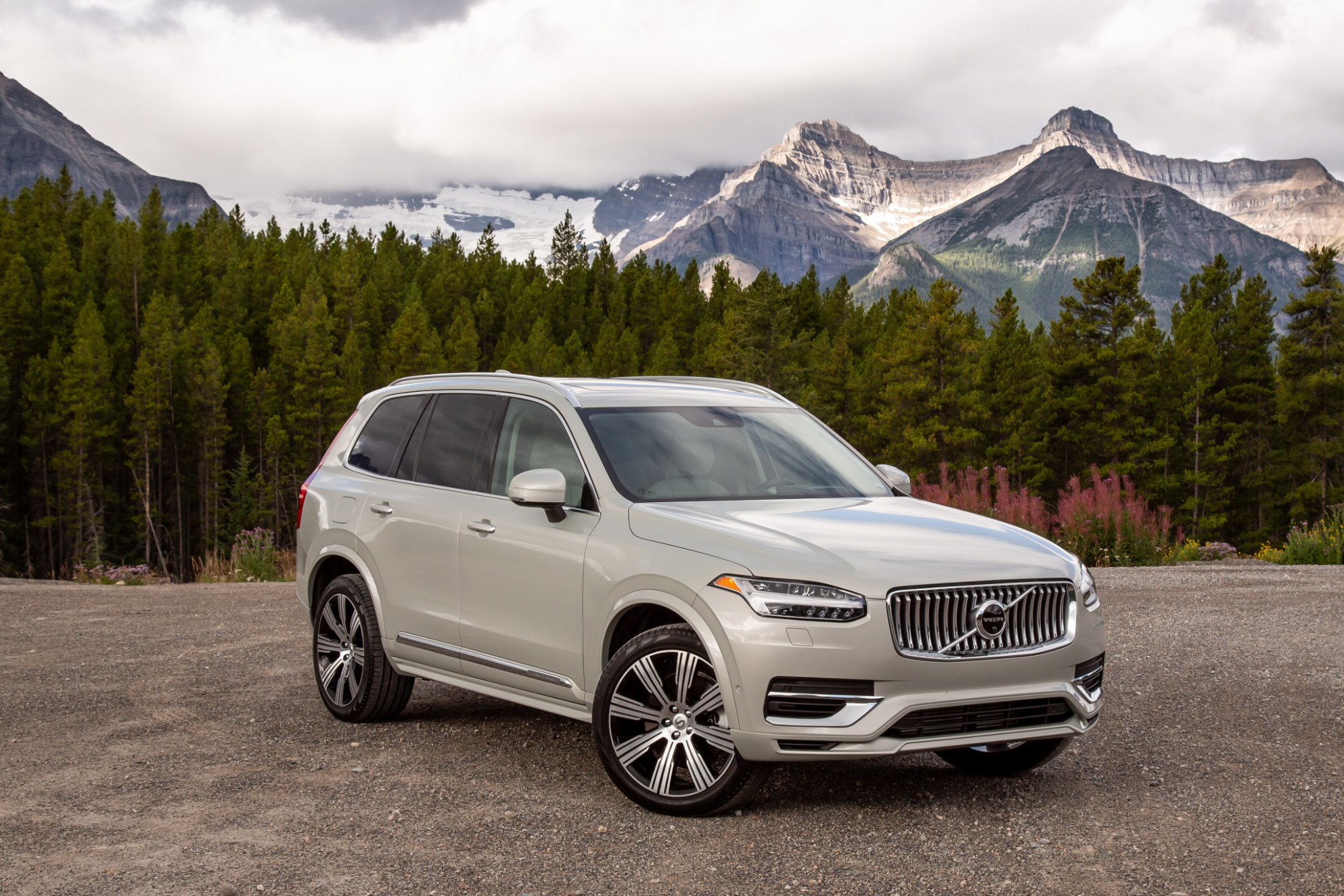 8 Volvo XC8 Review: An Aging Icon Learns New Tricks | News ...