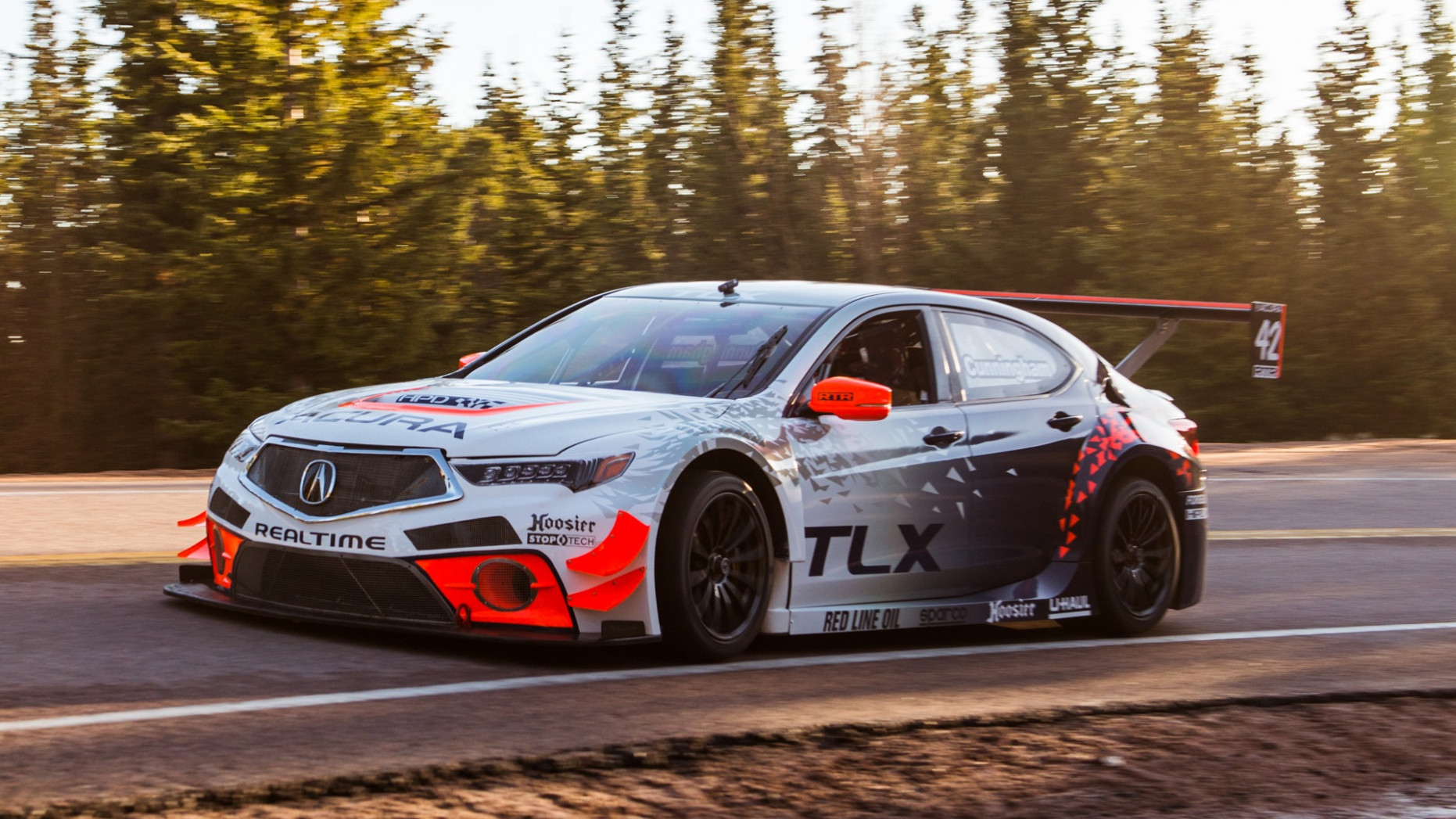 Acura is bringing a 8-horsepower TLX to 8 Pikes Peak