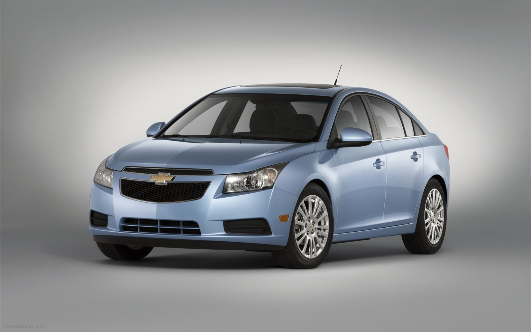 Chevrolet Cruze Price in Qatar - New Chevrolet Cruze Photos and ..