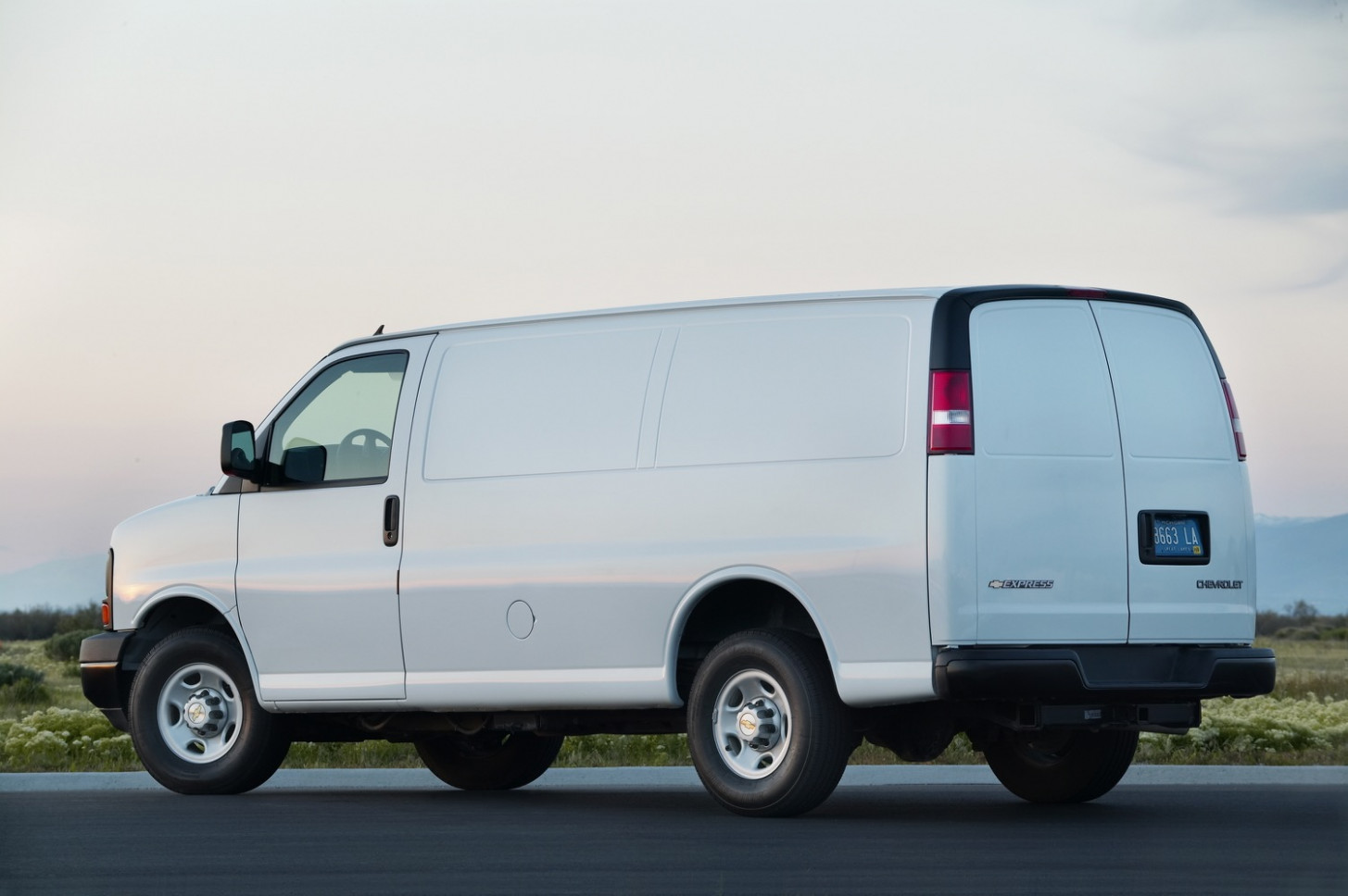 Chevrolet Discount Cuts Express MSRP By $8,8 December 8 | GM ..