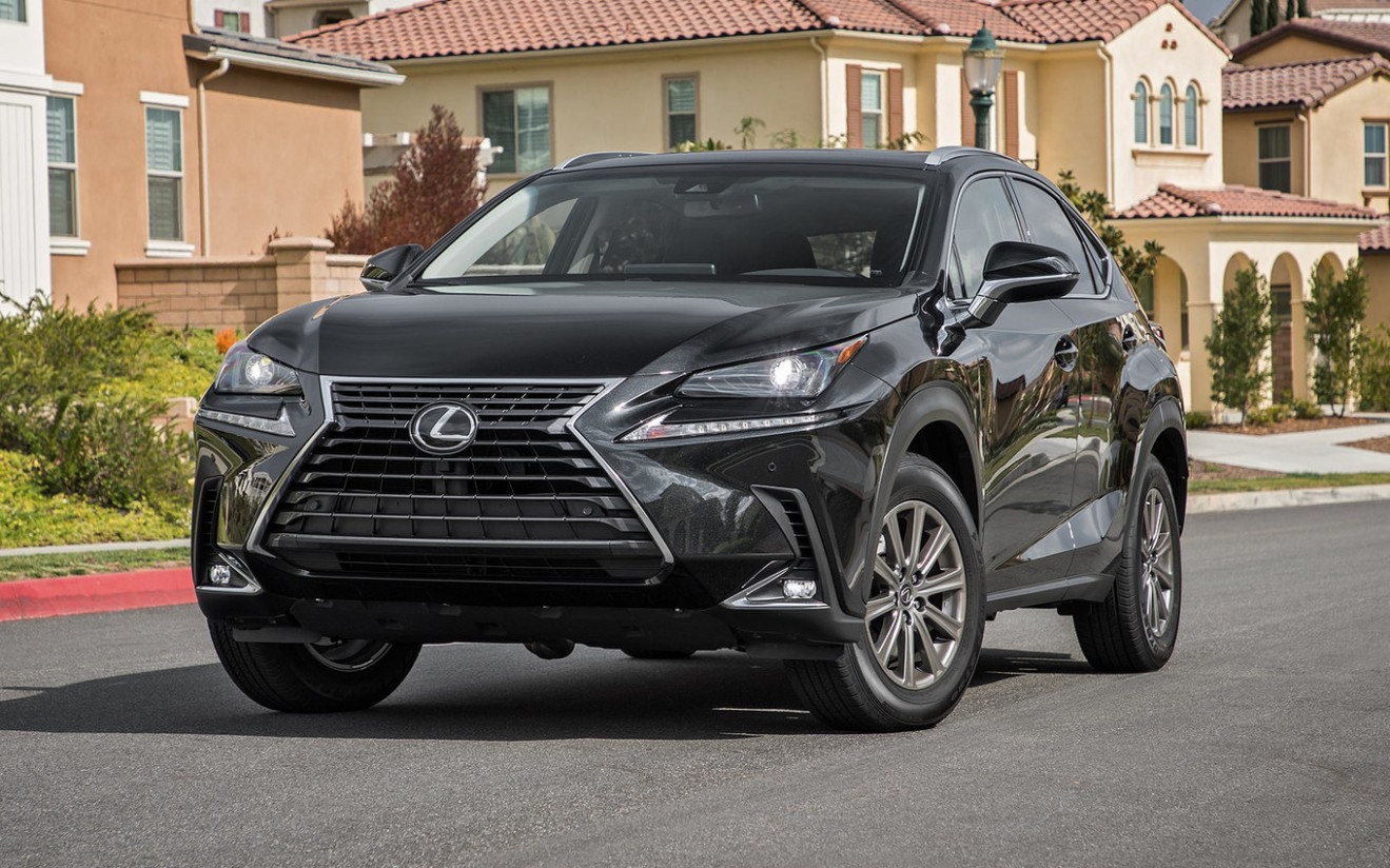Comparison - Lexus NX 6h AWD 6 - vs - Ford Edge Titanium 6 ..