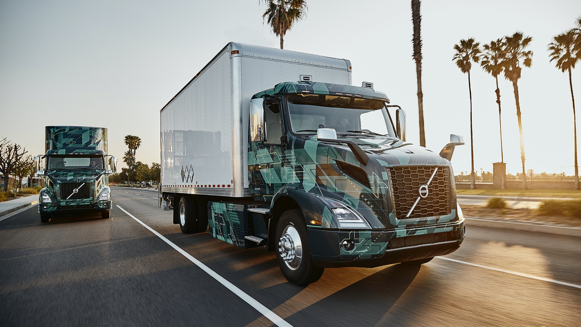 Driving the Volvo VNR Electric semi from Volvo Trucks | Autoblog - volvo electric truck 2020