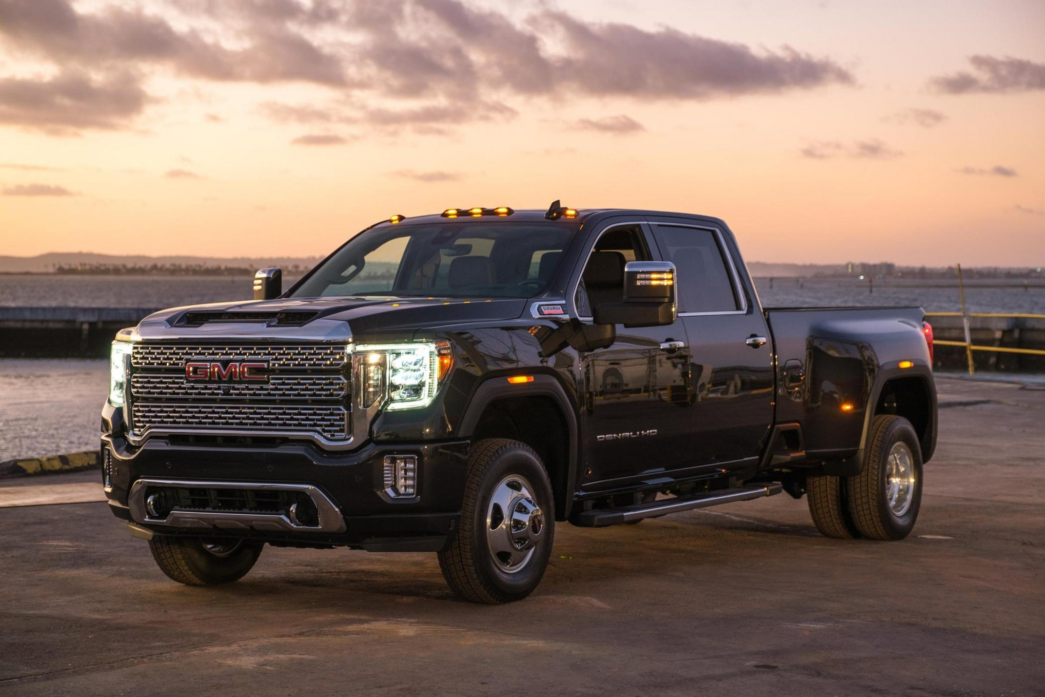GM reveals 8 GMC Sierra Heavy Duty | Medium Duty Work Truck Info - gmc work truck 2020