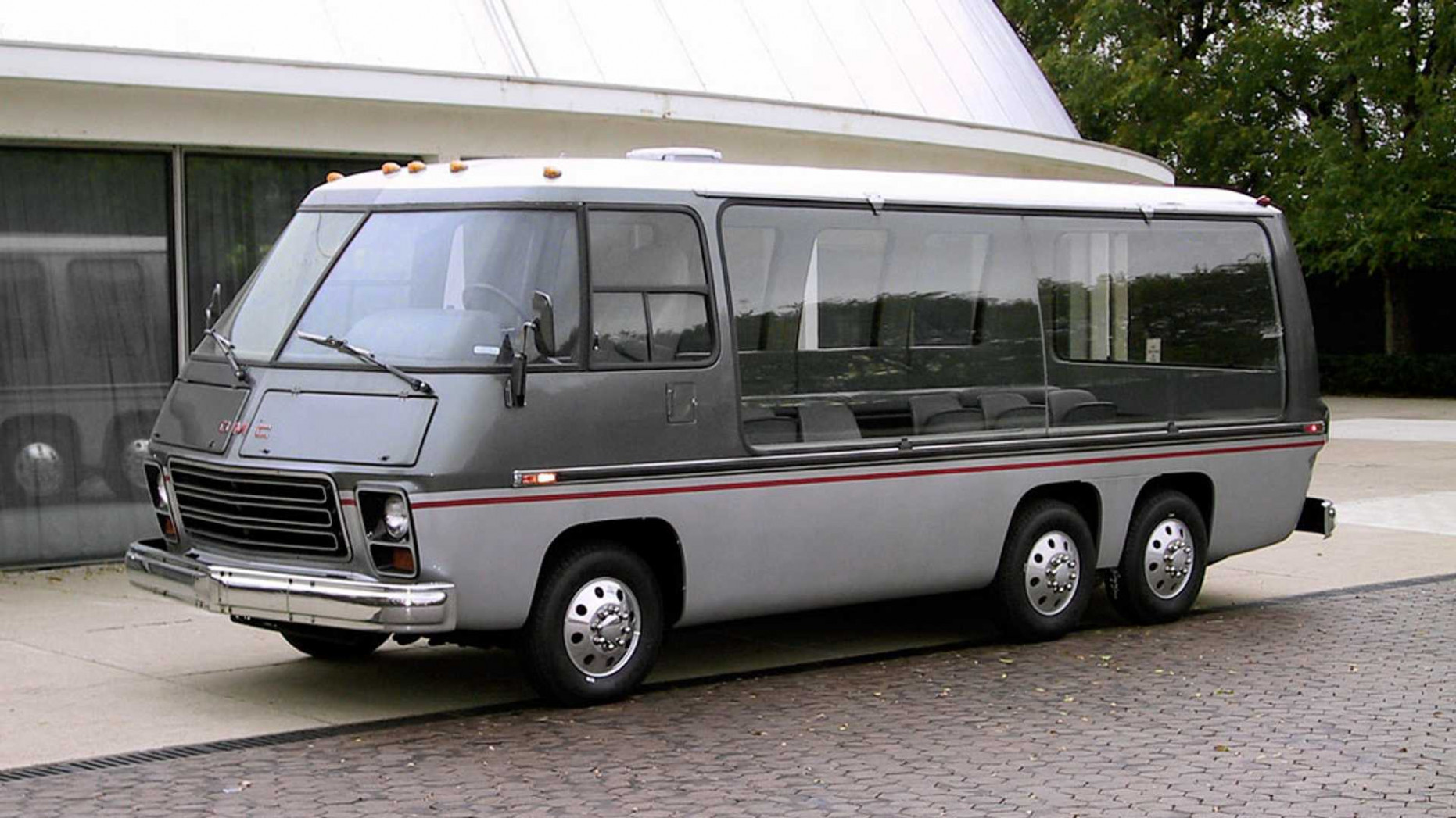 GMC 'Chuck Wagon' MotorHome Is A Fine Way To Watch Scenery Pass