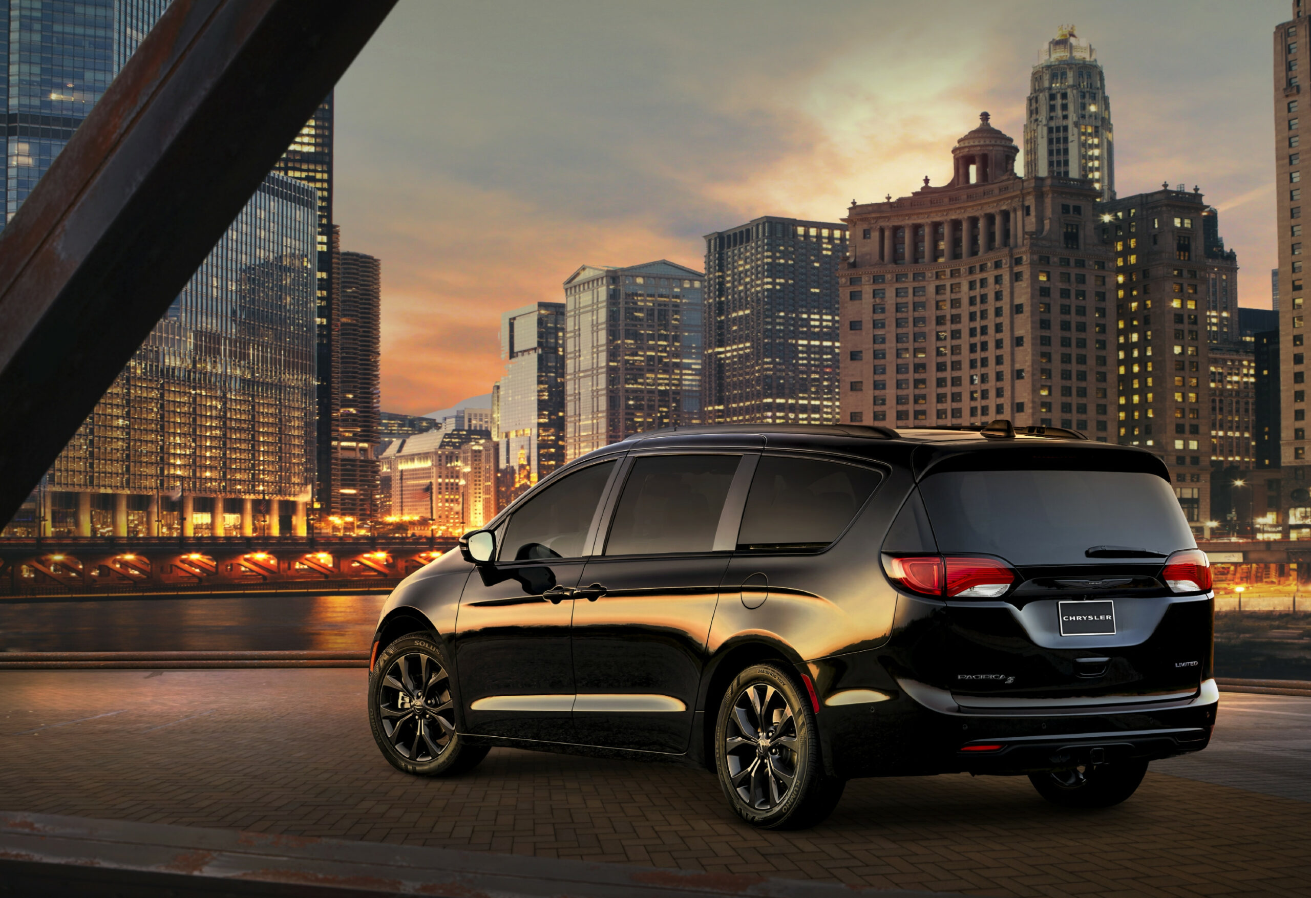 Here's What's New on the 8 Chrysler Pacifica | News | Cars.com