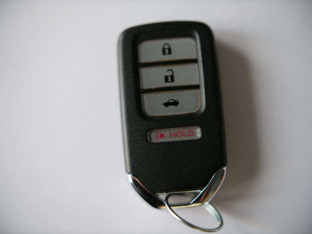 Honda Civic Key Fob Battery Replacement Guide (7 - 7)