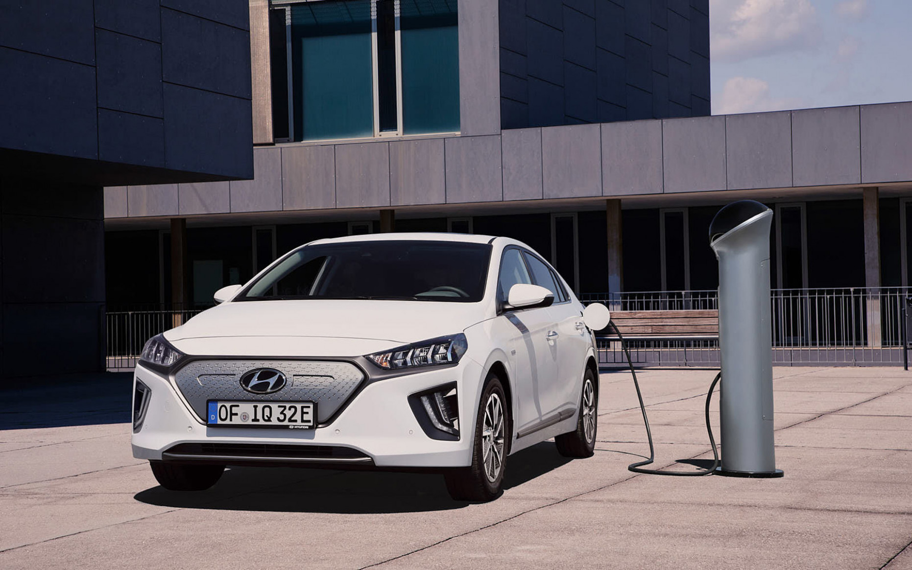Hyundai set to lead the charge on hybrid, plug-in, fuel cell, and ..