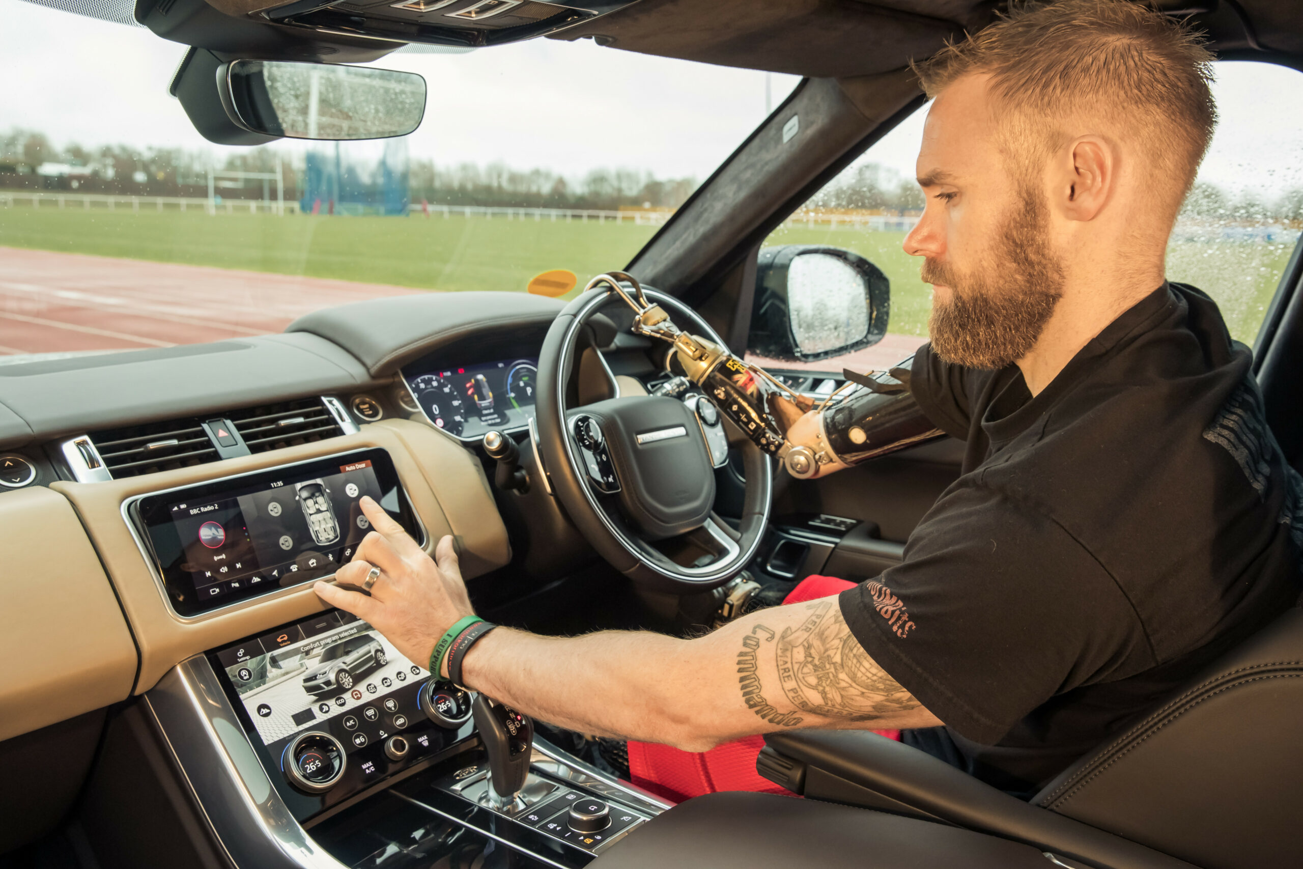 JAGUAR LAND ROVER OPENS THE DOOR FOR EASIER ACCESS WITH AUTOMATIC ..