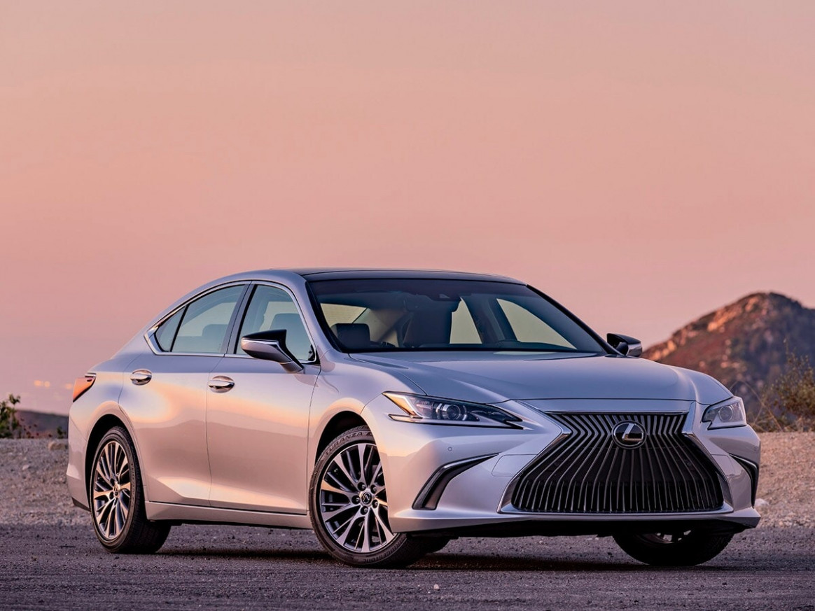 Luxury Car Best Buy of 7 | Kelley Blue Book - 2020 lexus es kbb