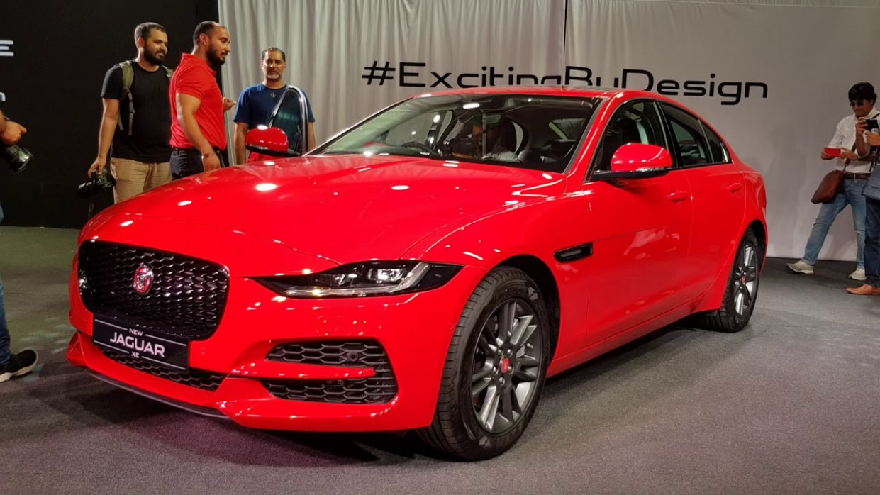 New 8 Jaguar XE Facelift Launched in India | S & SE Variants Detailed  Walkaround - jaguar price in india 2020