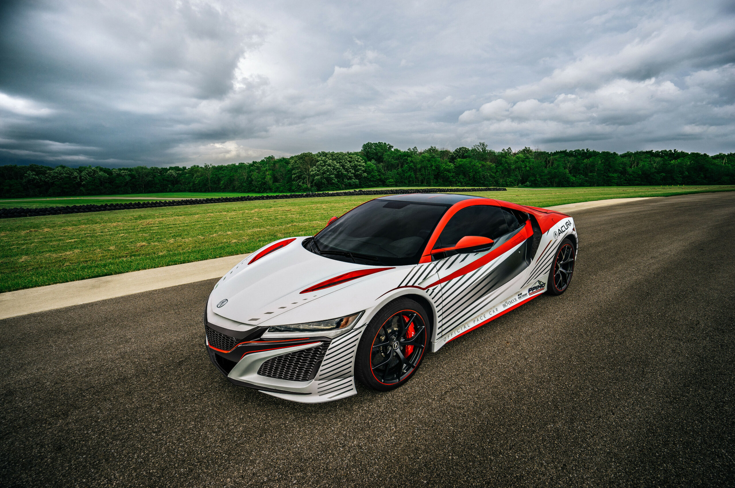 New Acura NSX to Pace Pikes Peak Hill Climb