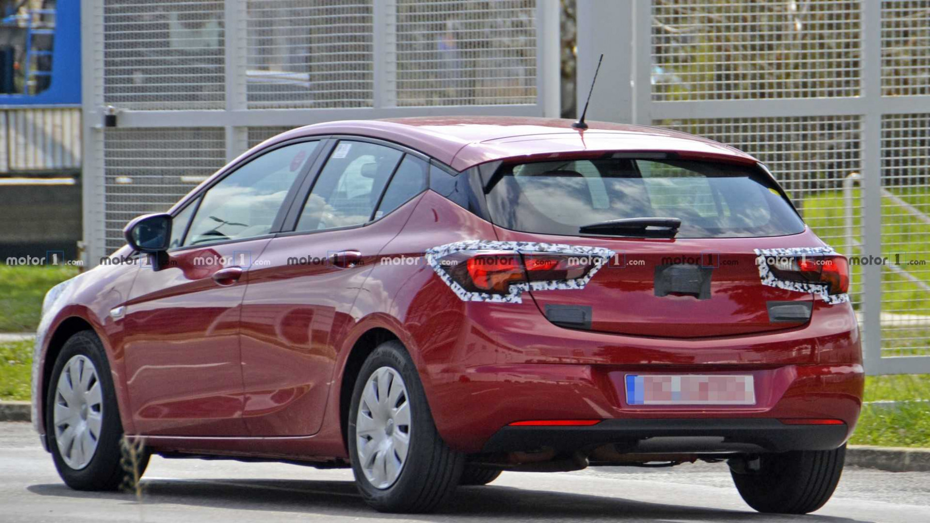 Opel Astra Facelift Sheds Some Camo In New Spy Photos - 2020 opel astra facelift