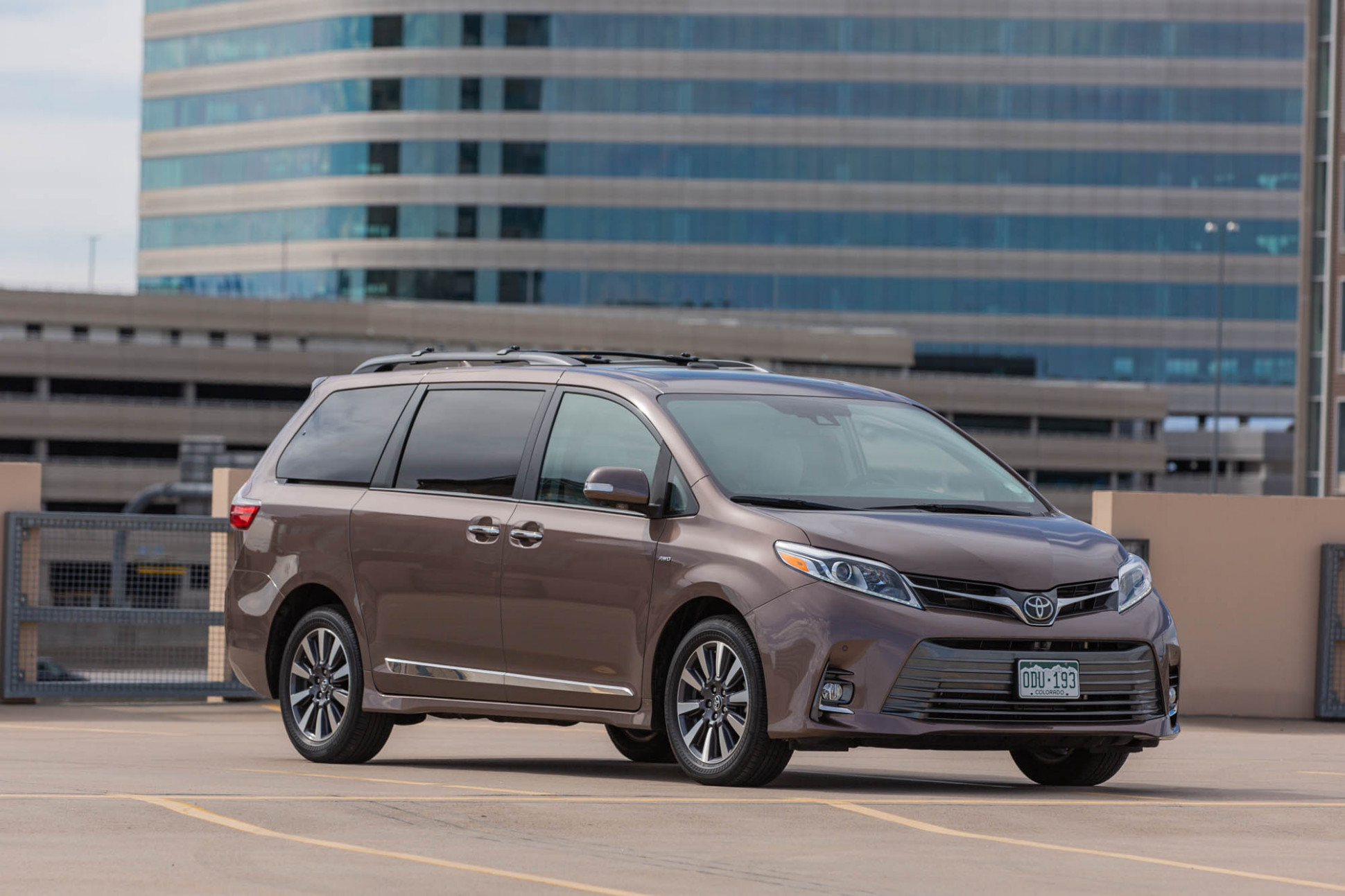 Review update: The 8 Toyota Sienna Limited Premium is very ...