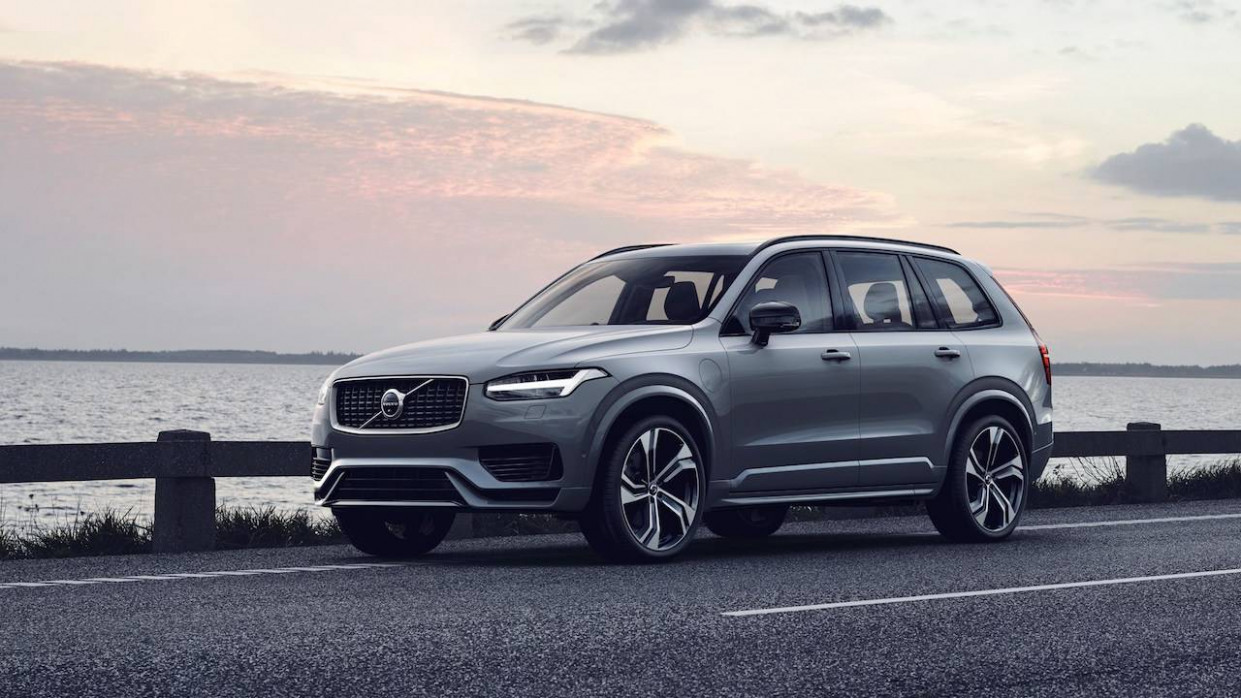 Subtle 7 Volvo XC7 refresh hides huge electrification change ...