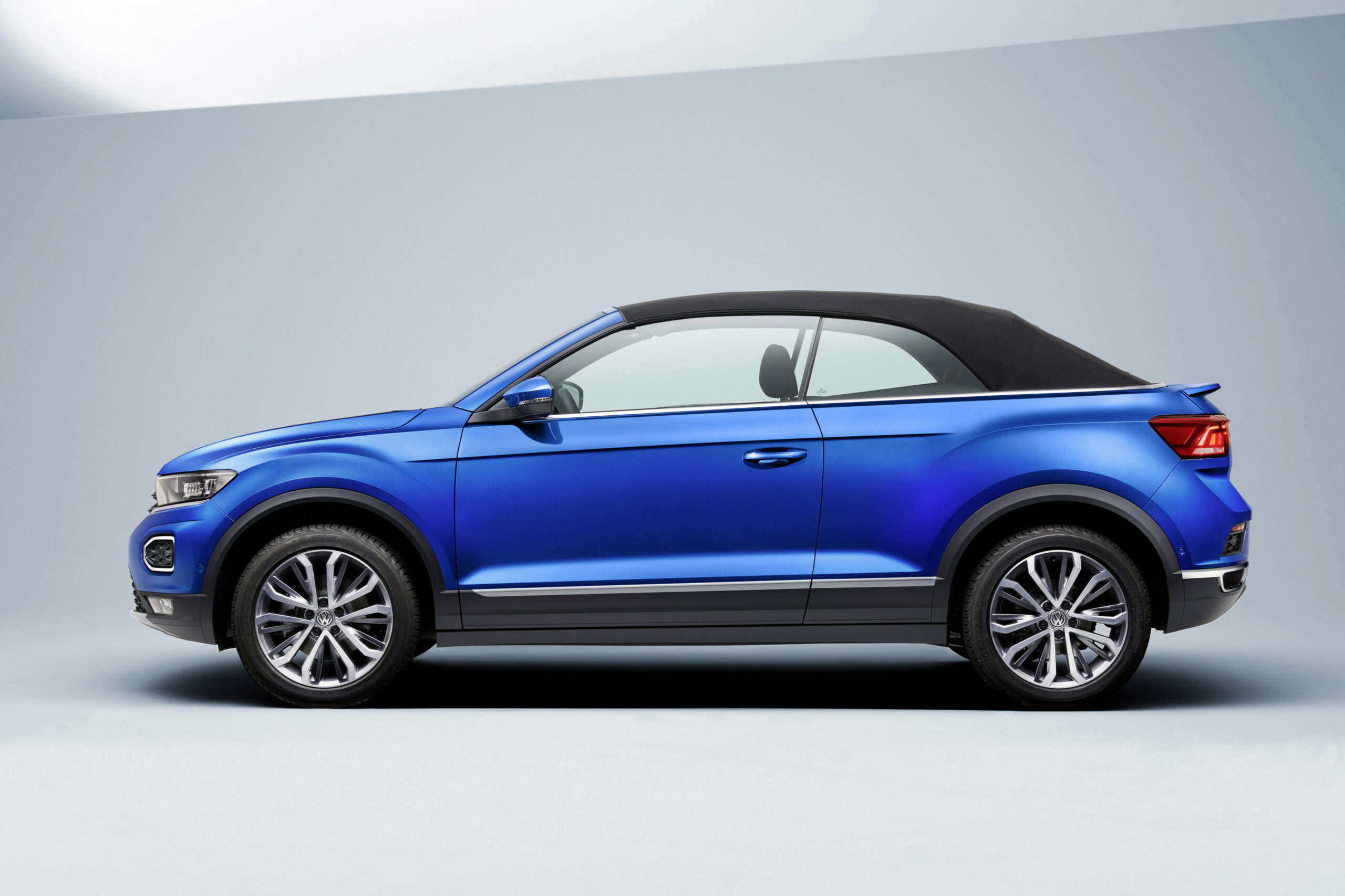 The 6 Volkswagen T-Roc Cabriolet Is Your New Small High-riding ..